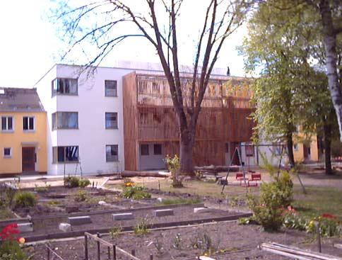 Europadorf-Blick in den Innenhof mit neu angelegten Mietergärten